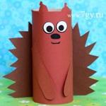 Белка из втулки от туалетной бумаги - простая поделка для детей