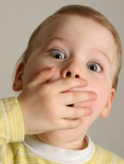 Появился неприятный запах изо рта у ребенка