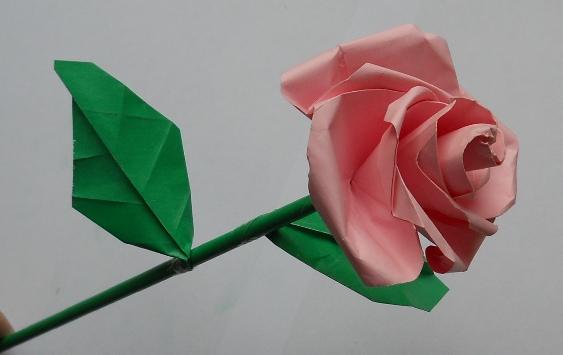 Как сделать объемную розу из бумаги фото 307