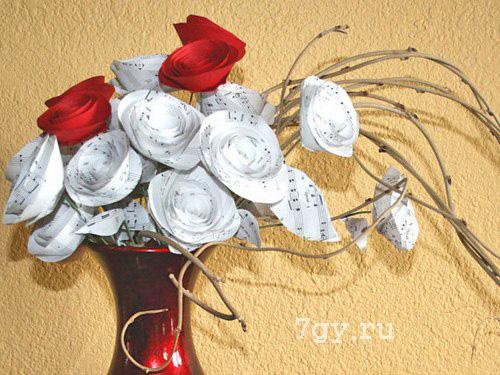 Розы из бумаги на 8 марта